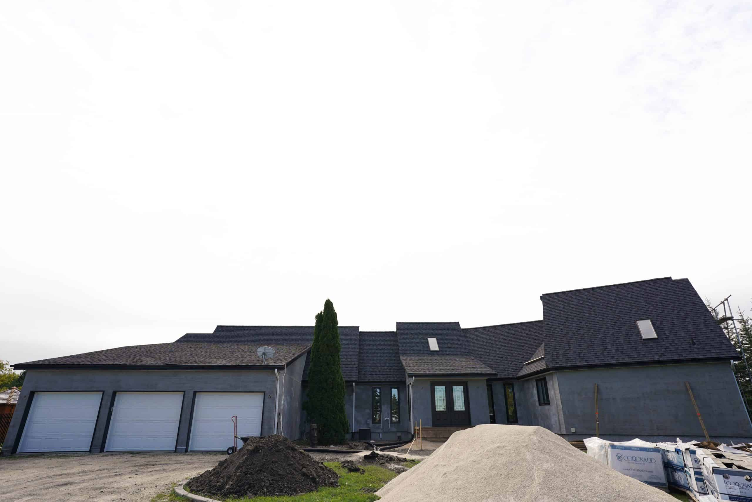 Acrylic stucco in winnipeg manitoba with dels exteriors